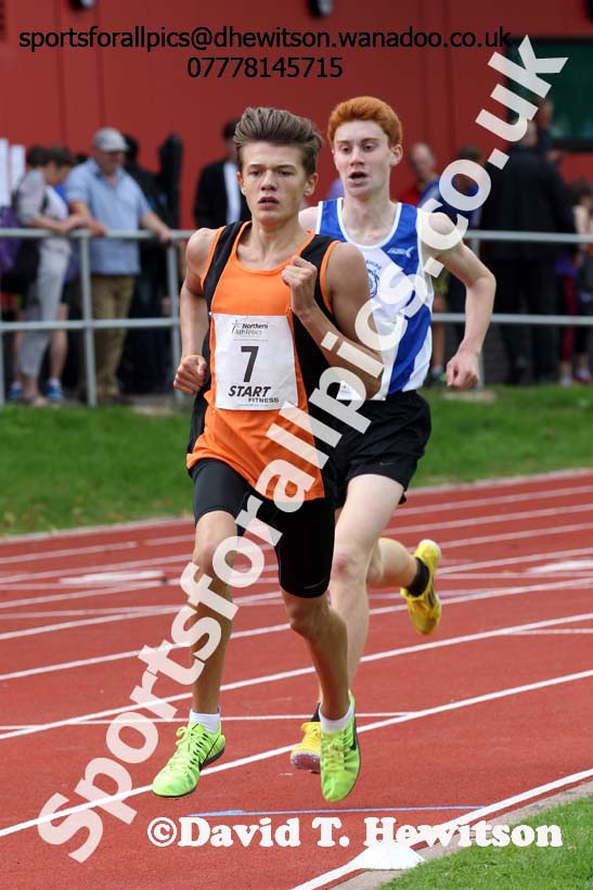 Mens 1500 metres at the Northern Inter-Counties under-17s and 15s at Witton Park, Blackburn. Photo: David T. Hewitson/Sports for All Pics