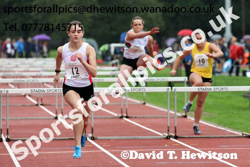 Womens and Girls hurdles at the Northern Inter-Counties under-17s and 15s at Witton Park, Blackburn. Photo: David T. Hewitson/Sports for All Pics