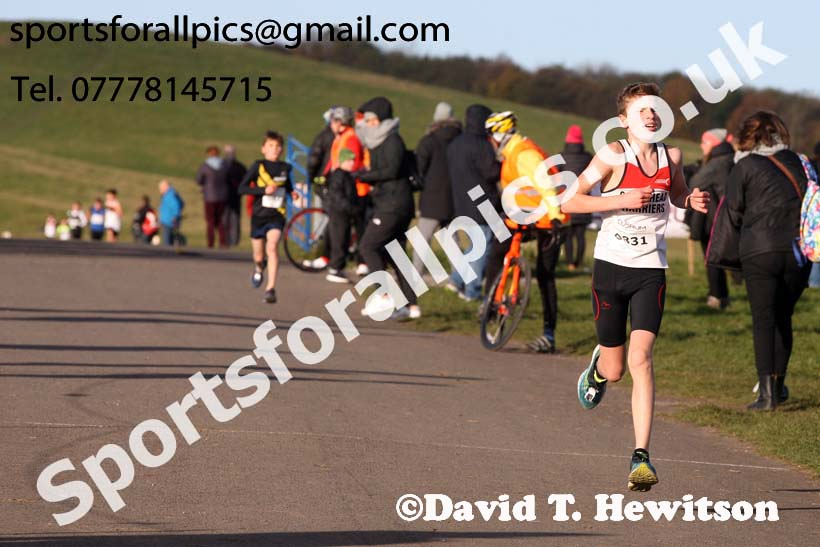 Boys and girls under-13s Heaton Harriers Memorial Road Races, Newcastle. Photo:  David T. Hewitson/Sports for All Pics