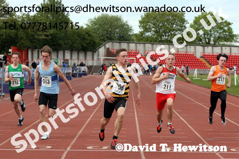 Boys under-15s 100 metres, North Eastern Champs, Gateshead Stadium. Photo: David T. Hewitson/Sports for All Pics