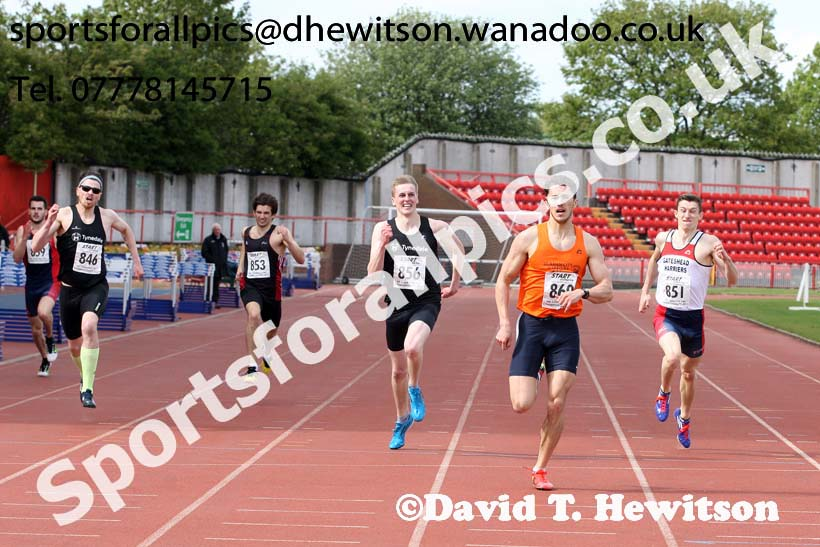 Mens senior 400 metres, North Eastern Champs, Gateshead Stadium. Photo: David T. Hewitson/Sports for All Pics