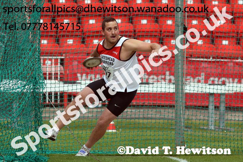 Mens senior discus, North Eastern Champs, Gateshead Stadium. Photo: David T. Hewitson/Sports for All Pics