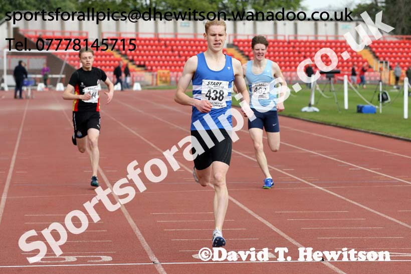 Mens under-17s 400 metres, North Eastern Champs, Gateshead Stadium. Photo: David T. Hewitson/Sports for All Pics