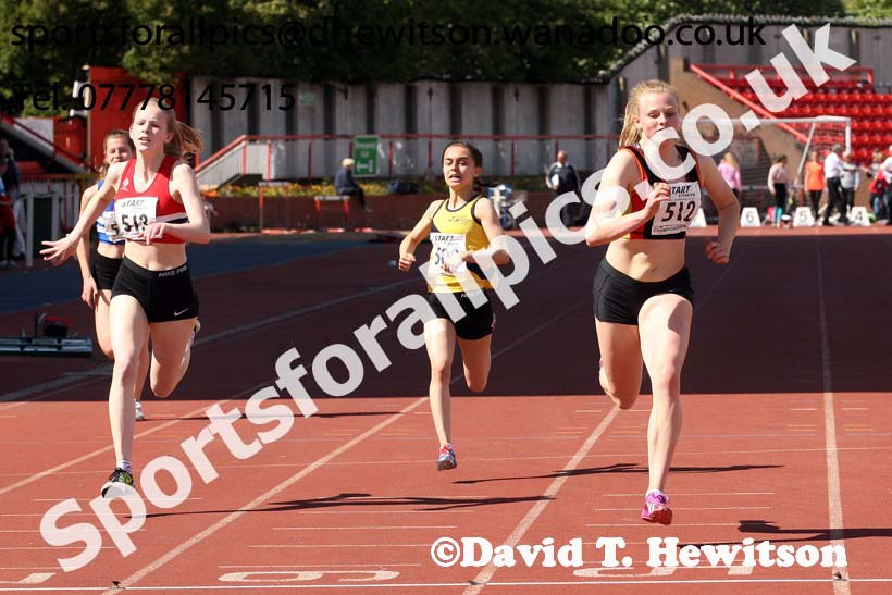 Womens under-17s 100 metres, North Eastern Champs, Gateshead Stadium. Photo: David T. Hewitson/Sports for All Pics