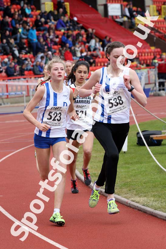 Womens under-17s 800 metres, North Eastern Champs, Gateshead Stadium. Photo: David T. Hewitson/Sports for All Pics