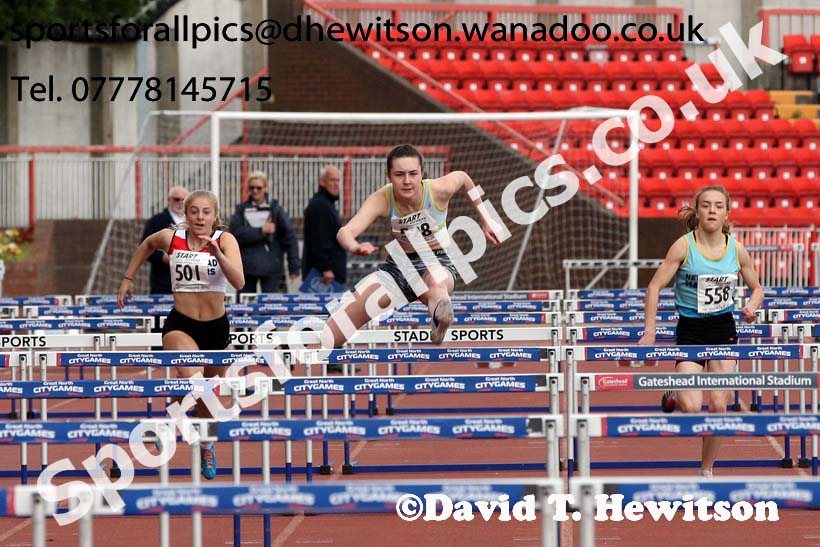 Womens under-17s hurdles, North Eastern Champs, Gateshead Stadium. Photo: David T. Hewitson/Sports for All Pics
