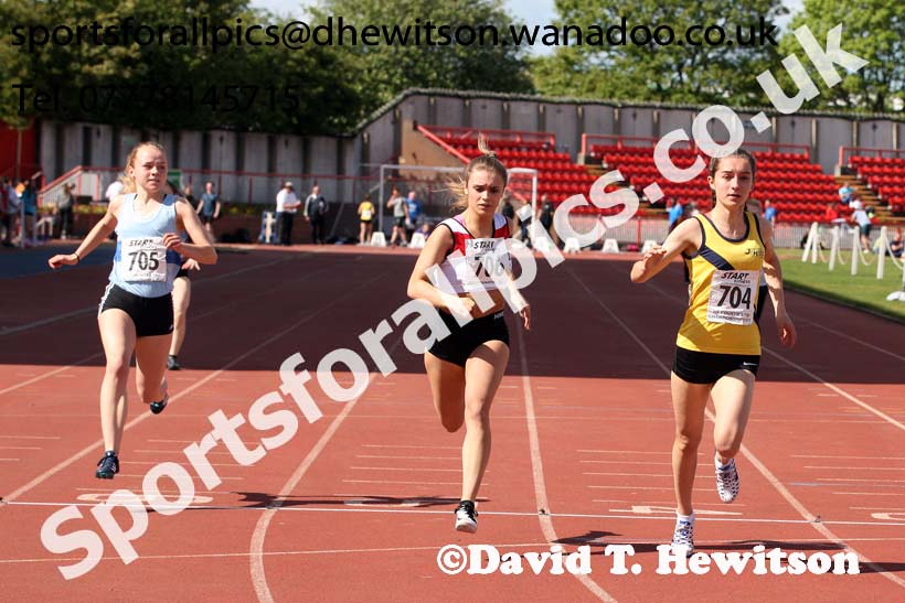 Womens under-20s 100 metres, North Eastern Champs, Gateshead Stadium. Photo: David T. Hewitson/Sports for All Pics