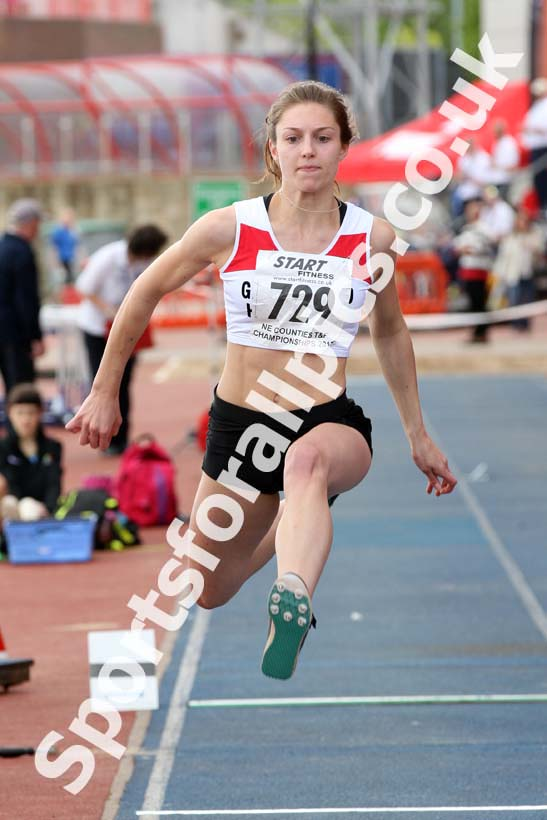 Womens under-20s triple jump, North Eastern Champs, Gateshead Stadium. Photo: David T. Hewitson/Sports for All Pics
