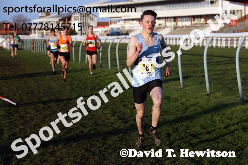 Mens under-17s North Eastern Cross Country, Redcar. Photo:  David T. Hewitson/Sports for All Pics