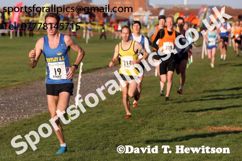 Senior mens North Eastern Cross Country, Redcar. Photo:  David T. Hewitson/Sports for All Pics