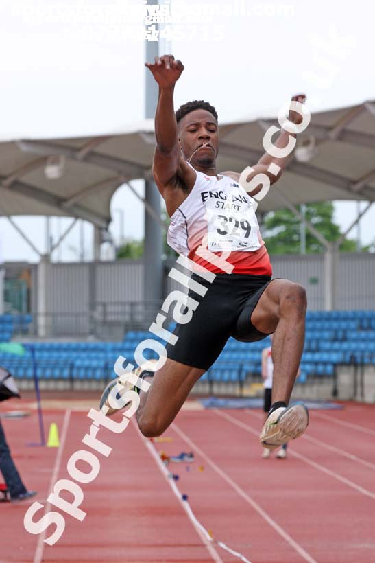 Mens under-20s long jump, Northern Senior and Under-20s Champs., SportsCity, Manchester. Photo: David T. Hewitson/Sports for All Pics