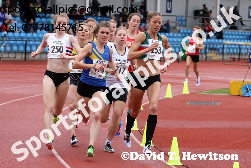 Senior womens1500 metres, Northern Senior and Under-20s Champs., SportsCity, Manchester. Photo: David T. Hewitson/Sports for All Pics