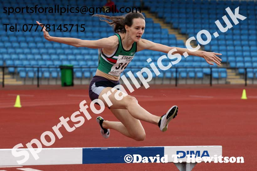 Senior womens 2000 metres steeplechase, Northern Senior and Under-20s Champs., SportsCity, Manchester. Photo: David T. Hewitson/Sports for All Pics