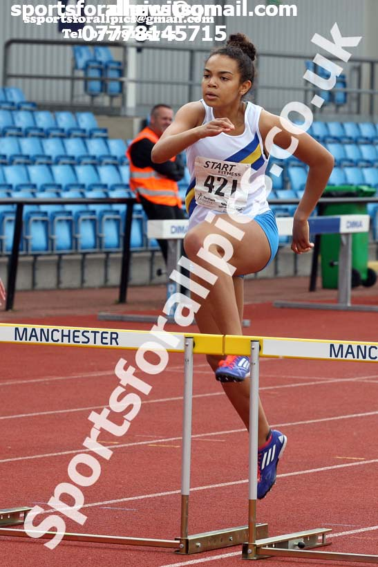 Womens under-20s 400 metres hurdles, Northern Senior and Under-20s Champs., SportsCity, Manchester. Photo: David T. Hewitson/Sports for All Pics