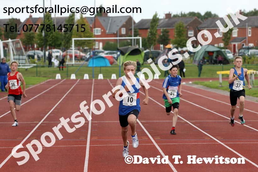 Boys under-13s 200 metres, Northern Under-17s/U-15s and U13s Champs, Leigh Sports Village, Leigh. Photo: David T. Hewitson/Sports for All Pics