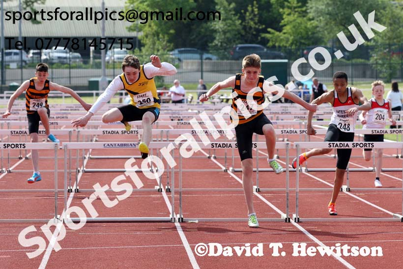 Boys under-15 hurdles, North Eastern Track and Fields Champs., Middlesbrough. Photo: David T. Hewitson/Sports for All Pics