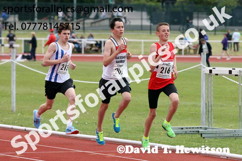 Boys under-15s 1500 metres, North Eastern Track and Fields Champs., Middlesbrough. Photo: David T. Hewitson/Sports for All Pics