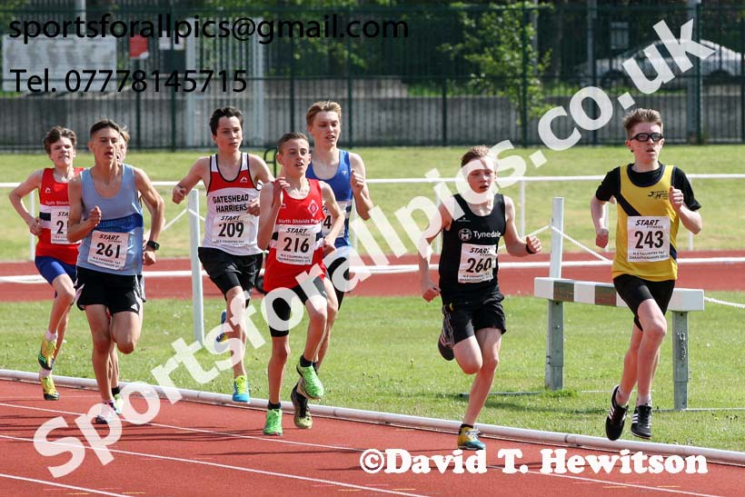 Boys under-15s 800 metres, North Eastern Track and Fields Champs., Middlesbrough. Photo: David T. Hewitson/Sports for All Pics