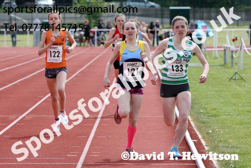 Girls under-13s 800 metres, North Eastern Track and Fields Champs., Middlesbrough. Photo: David T. Hewitson/Sports for All Pics