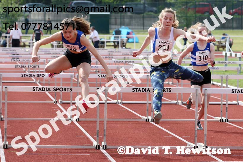 Girls under-15 hurdles, North Eastern Track and Fields Champs., Middlesbrough. Photo: David T. Hewitson/Sports for All Pics