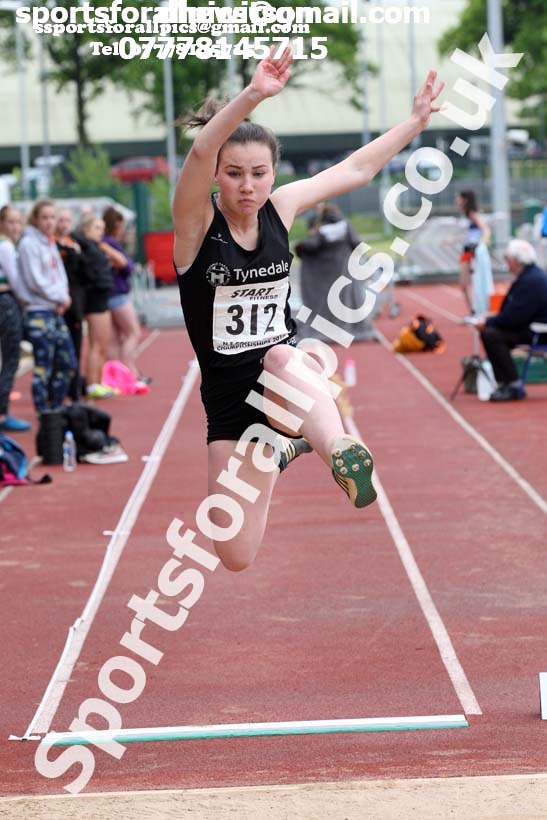 Girls under-15s long jump, North Eastern Track and Fields Champs., Middlesbrough. Photo: David T. Hewitson/Sports for All Pics