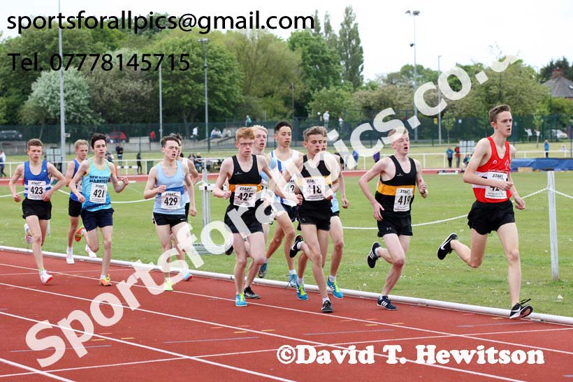 Mens under-17 1500 metres, North Eastern Track and Fields Champs., Middlesbrough. Photo: David T. Hewitson/Sports for All Pics