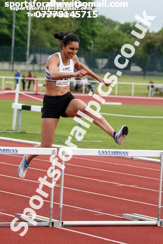 Senior womens 400 metres hurdles North Eastern Track and Fields Champs., Middlesbrough. Photo: David T. Hewitson/Sports for All Pics