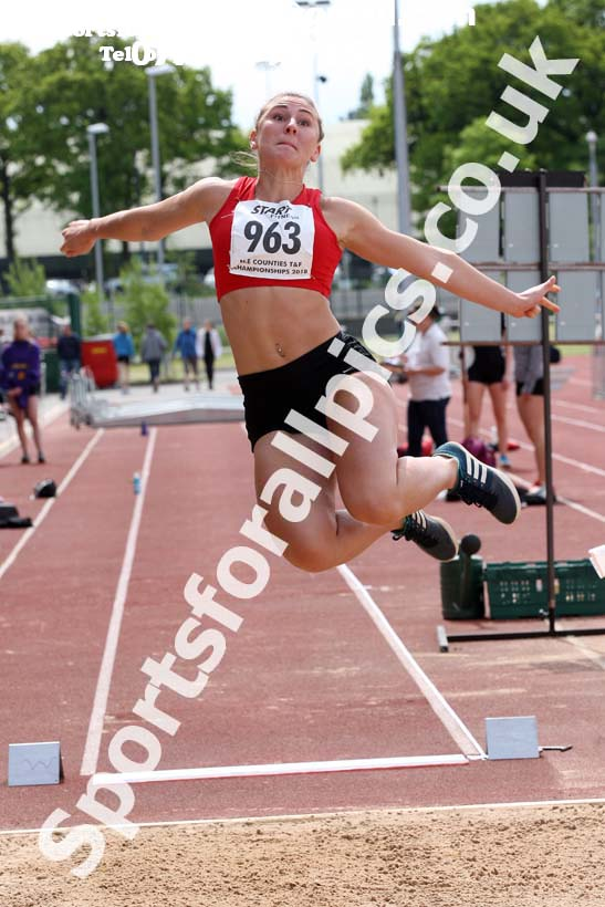 Senior womens long jump, North Eastern Track and Fields Champs., Middlesbrough. Photo: David T. Hewitson/Sports for All Pics