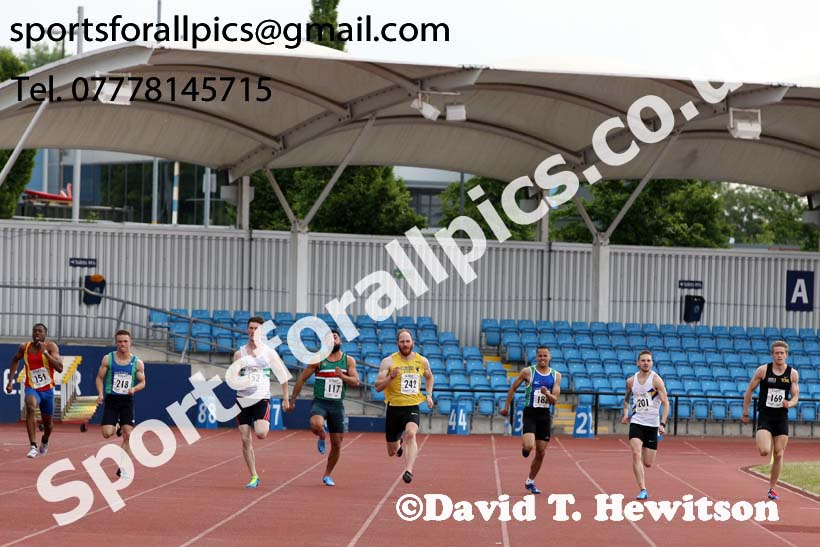 Senior mens 200 metres, Northern Senior and Under-20s Champs., Sports City, Manchester. Photo: David T. Hewitson/Sports for All Pics