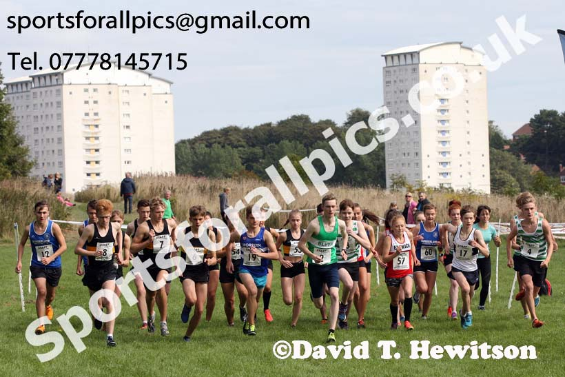 Mens and womens under-17s, Sunderland Harriers Cross Country Relays, Farringdon, Sunderland . Photo: David T. Hewitson/Sports for All Pics