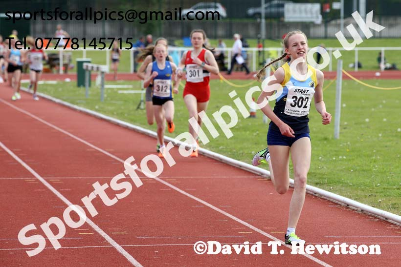 Girls under-15s 1500 metres, 2019 North Eastern Track and Field Champs., Middlesbrough. Photo:  David T. Hewitson/Sports for All Pics