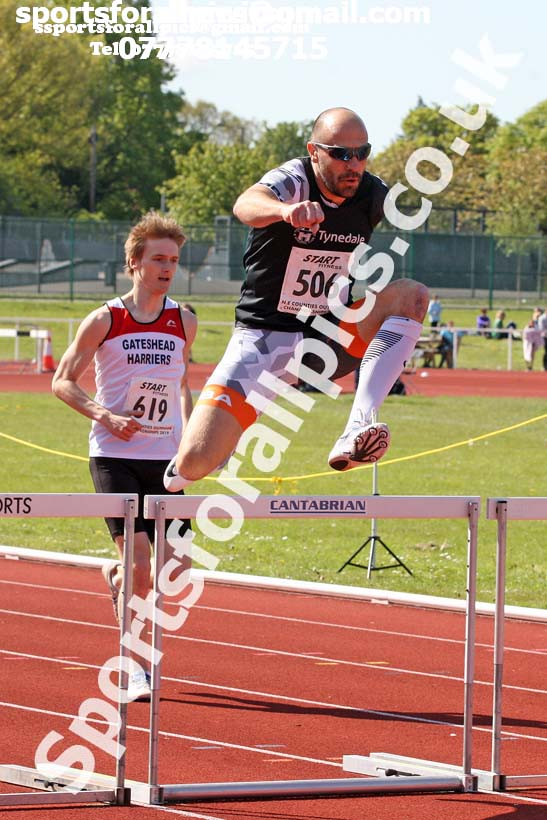 Senior mens 400 metres hurdles, 2019 North Eastern Track and Field Champs., Middlesbrough. Photo:  David T. Hewitson/Sports for All Pics